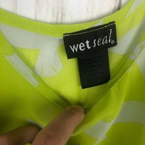 Wet Seal Tops - Wet Seal chartreuse bird tank